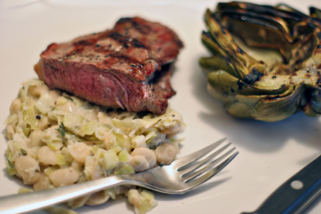 Steak with beans:leeks